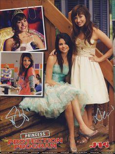 Selena Gomez and Demi Lovato Selena Gomez Model, Selena Gomez Poster, Selena Gomez Pictures, Disney Channel Original, Original Movie, Demi Lovato Camp Rock, Disney Shows, Disney Films, Princess Protection Program