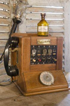 #Téléphone. www.brocantedelabruyere.com