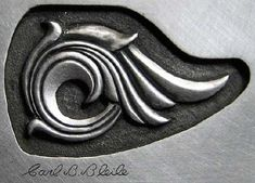 Carl Bleile tutorial of sculpture/carving, plus Engraving Instruction… Metal Engraving Tools, Engraving Art, Metal Projects, Metal Crafts, Grabar Metal, Engraved Knife, Carving Designs, High Art, Jewelry Making Tutorials