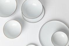 simple white plates with a thin gold ring as frame | tableware . Geschirr . vaisselle | Design: @ jjjjound |