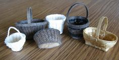 A wonderful tutorial for miniature baskets ... #Casey's Minis: Not So Easy Basket