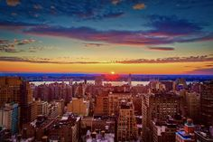Another NYC sunset. A moment of stillness. It's been a crazy few days. Taken with a by Lisa Bettany, the Camera Plus Super Girl. Beautiful Sunset, Beautiful Places, Nyc Skyline, London Photos, Travel Memories, Pretty Pictures, Sunrise, Around The Worlds, Outdoor