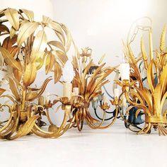 Florentines anybody? #19west #vintage #design #furniture #möbel #designklassiker #fifties #sixties #seventies #modernist #midcentury #wohndesign #vintagemöbel #vintagedesign #retromöbel #zuverkaufen #chandelier #gold https://ift.tt/2MzzYBa