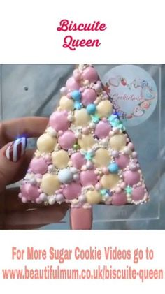 Pink Blush Christmas Glamour by – The Best Christmas Cookies Christmas Biscuits, Christmas Tree Cookies, Christmas Snacks, Holiday Cookies, Christmas Baking, Pink Cookies, Iced Cookies, Cute Cookies, Cookie Icing