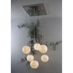 ブランド  In-es artdesign  商品名  Sei luneペンダントライト  カラー  ホワイト系 素材  ポリカーボン、樹脂  サイズと電球 In-es artdesign/Sei luneペンダントライト 電球:E14LED電球40W形(最大4W)×6灯 - 重量:6.5kg - ケーブル長さ:最長130cm ※日本仕様へ改造済み。取付は工事店・電器店(有資格者)にご依頼下さい。コード長さにつきましてはご相談ください。  デザイナー  Iocilunam  納期  4-8週間前後  原産地イタリア 保障  正規品・新品・100%本物です。  商品説明  まるで夜空に輝く満月のような幻想的な雰囲気を持つペンダントライトの6灯セット。特殊な樹脂と繊維を組み合わせたテクスチャにこだわったシェードからぼんやりと優しく輝く光は本物の月光の様。