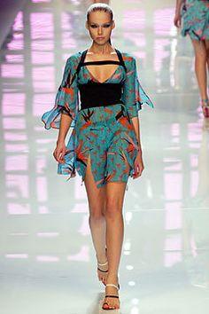 Versus Versace Spring 2004 Ready-to-Wear Fashion Show - Polina Kouklina, Donatella Versace