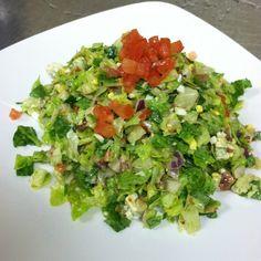 CHOPPED SALAD Morton& Steakhouse Recipe Serves Salad: 1 medium head iceberg lettuce, washed and dried 1 medium head romai. Chopped Salad Recipes, Healthy Salad Recipes, Clean Recipes, Cooking Recipes, Chopped Salads, Savory Salads, Morton Steakhouse, Salad Sauce, Main Dish Salads
