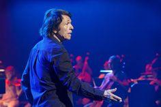 .@RAPHAELartista ofrece este miércoles un concierto único con la @OCRTVE en el @Teatro_Real