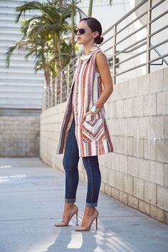 Outfits ideas & inspiration : Today you will learn the best ideas on how to wear a Vest - Fashion long vest, Looks with long vests 2019 - outfit long beige vest, outfit long Look Fashion, Fashion Outfits, Womens Fashion, Fashion Design, Jeans Fashion, Trendy Fashion, Fashion Vintage, Dress Fashion, Fashion Ideas
