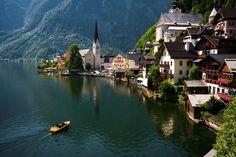 The beautiful lake side village of Hallstatt, #Austria. Photo by - peperoni