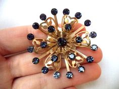 "Stunning Vintage Estate High End Gold Tone Blue Rhinestone Brooch!!! 2594F FOR SALE • $0.99 • See Photos! Money Back Guarantee. This is a must have! It measures app. 1 3/4"". It is in great condition. Don't miss out on this fabulous piece! Hi, and welcome to(formerly jmirra412 Ebay user id) 291943674344"