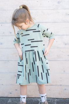 Naailand # Weather # dress / top / sweater # its # precision # many # of … – kinder mode Sewing Patterns For Kids, Sewing For Kids, Clothing Patterns, Diy For Girls, Winter Dresses, Kind Mode, Diy Clothes, Baby Dress, Kids Outfits