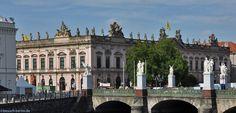 Zeughaus mit Schlossbrücke an der Museumsinsel Berlin.  http://besuch-berlin.de