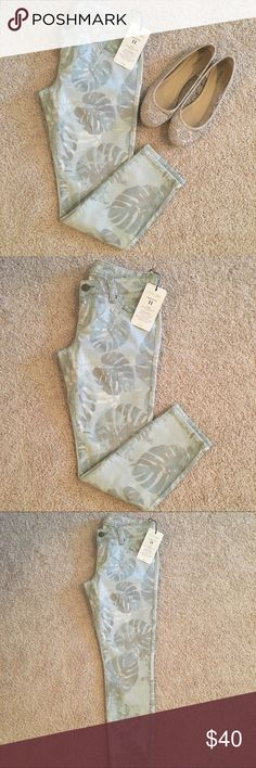 {CAbi} 🆕 Paradise Light Blue Skinny Jeans Brand new with Tags.  Style #227 from the Spring 2015 Collection.  Size 4 CAbi Jeans Skinny