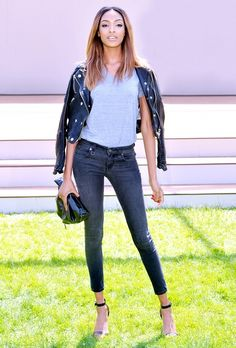 Your Complete Guide To What Shoes To Wear With Skinny Jeans via @WhoWhatWear