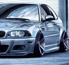 Im not into the whole aggressive poke stance stretch camber scene, but this looks dope! Bmw E46 Sedan, E46 Coupe, Fiat 128, E46 Tuning, Bmw 318, Bmw M Series, Diesel, Bmw Girl, Bmw Love