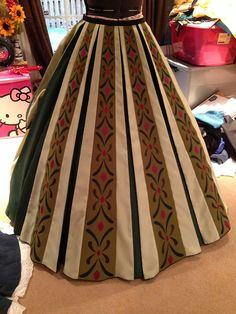 Example of an Anna cosplay. Note: proportions on skirt, bands are thinner on top and wider at the bottom.