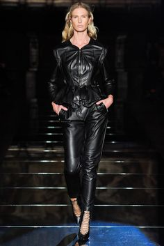 http://www.vogue.com/fashion-shows/fall-2012-ready-to-wear/francesco-scognamiglio/slideshow/collection