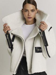 Amazing white shearling fur jacket in motorcycle style, moto jacket in white shearling with black trims and zippers, Fur Fashion, Fashion Details, Fashion Outfits, Womens Fashion, Fashion Design, Pretty Outfits, Fall Outfits, Sheepskin Jacket, Outdoor Fashion