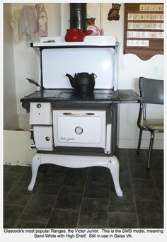 Wood cookstove… Source by Antique Kitchen Stoves, Antique Wood Stove, Old Kitchen, How To Antique Wood, Vintage Wood, Vintage Kitchen, Wood Burning Cook Stove, Wood Stove Cooking, Old Stove