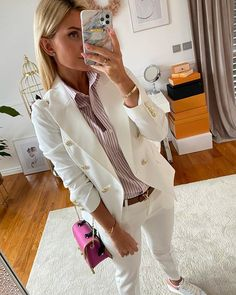 Karolina Franek (@karola_franek) • Instagram photos and videos Spring Summer, Photo And Video, Coat, Videos, Casual, Photos, Jackets, Instagram, Fashion