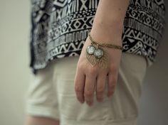 DIY-Anleitung: Armband mit Cabochon-Anhänger selber machen  via DaWanda.com