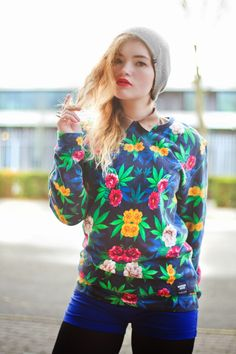 Classic 420 Floralweed sweater. #breakingrocks #smoke #smoking #420 #floral #nature #weed #flowers #cozy #sweater #cotton