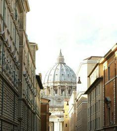 Cupola di S. Pietro vista da S.Spirito in Sassia - Roma