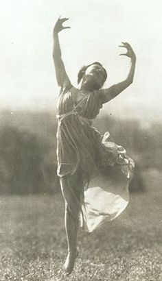 Silver print Image by A. Harlingue titled Dancer Jeanne Ronsay at St. 4 Images, St Cloud, Getting Things Done, Old Pictures, Beauty Women, Dancer, Clouds, Statue, History