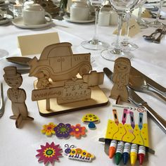 Visit FLUTTERTREE - Stand Y24 Autumn Gift & Home Fair 19th - 22nd August 2018  Flutter Tree creates wooden DIY activities for children to create their own craft! We let them engage with real, natural toys and explore their creativity and imaginations. No chargers needed! #AGHF2018 #AutumnGiftHomeFair #TradeOnly #YesItsIrish #IrishDesign #IrishBusiness Irish Design, Natural Toys, Wooden Diy, Gingerbread Cookies, Activities For Kids, Creativity, Autumn, Explore, Create