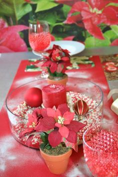 White Gravel, Sand And Gravel, Colored Sand, Xmas Decorations, Sands, Red And White, Centerpieces, Wine, Watch