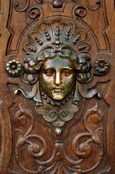 Paris Art Nouveau Door Detail | von Pictures from the Ghost Garden