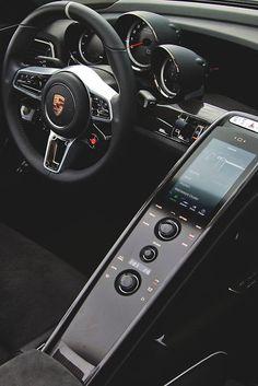 Porsche 918 Spyder Interior - Style Estate -