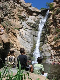 San Diego Country Estates, CA : This is a waterfall that you can hike to in the estates. It is BEAUTIFUL!!    Read more: http://www.city-data.com/picfilesc/picc20352.php#ixzz25yChO25w
