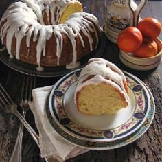 Clementine olive oil cake with almond buttermilk glaze Best Dessert Recipes, No Bake Desserts, Sweet Recipes, Delicious Desserts, Cake Recipes, Yummy Food, Cookbook Recipes, Sweet Desserts, Pasta Recipes