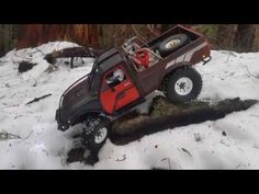 Toyota Hilux river crossing with Jeep XJ Jeep Xj, Toyota Hilux, River, Rock, Car, Youtube, Automobile, Rivers, Locks