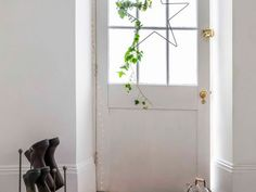 Achieving A California Decorating Style In The City - Apartment Number 4 Kitchen Trends, Kitchen Updates, Modern Wreath, Room To Grow, Snowflake Designs, Moving House, Large Bedroom, Kitchen On A Budget, Updated Kitchen
