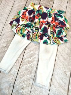 Tutorial: Add a ruffle skirt to little girl leggings (Sewing Little Girl Leggings, Girls Leggings, Redo Clothes, Sewing Clothes, Clothing Redo, Ruffle Skirt Tutorial, Diy 2019, Skirts For Kids, Skirt Leggings