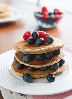 The McDougalls' Fluffy Pancakes! Looking good, breakfast.