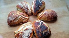Ina von Brotzeitliebe ist die Gastgeberin des 71. Bread Baking Day bei zorra und das Thema Laugengebäck-Variationen klingt doch schon mal lecker. Vor wenigen Tagen bin ich bei Facebook auf Slavas Profil auf das Rezept von Laugenecken gestoßen, das ich...