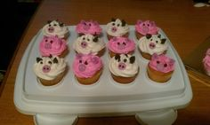 cows and piggies cupcakes