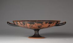 Attributed to Douris (Greek), earthenware with slip decoration, Diameter: w. 29.6 cm (11 5/8 in). Hinman B. Hurlbut Collection 508.1915
