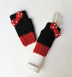 Minnie Mouse Wristwarmers Fingerless Gloves Texting by Xasper8ing