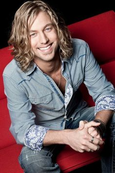 Casey James :) Seen him April 18th, 2013 in Wisconsin Dells, WI.