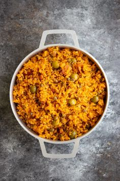 Arroz con Gandules (Puerto Rican Rice with Pigeon Peas) Recipe - Kitchen De Lujo - - Arroz con Gandules is the best Puerto Rican rice dish that is filled with FLAVOR. Puerto Rican Recipes Rice, Puerto Rican Beans, Puerto Rican Dishes, Recipe For Puerto Rican Rice And Beans, Puerto Rican Pork Chops, Puerto Rican Pasteles, Pea Recipes, Mexican Food Recipes, Cooking Recipes