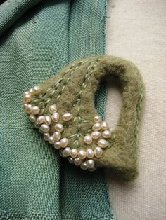 Needle FELTED BROOCH Pearl Green Felt Wool by ukokprincess on Etsy
