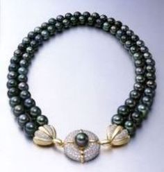 A Black Pearl Necklace birks black tahitian double row cultured pearl necklace icgdapq - Jewelry Amor Tahitian Pearl Necklace, Cultured Pearl Necklace, Tahitian Pearls, Cultured Pearls, Pearl Jewelry, Fine Jewelry, Ideas Joyería, Schmuck Design, Beaded Necklace