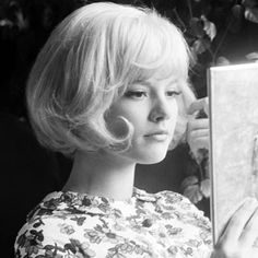 i think i was born into the wrong decade, honestly!! Sylvie Vartan
