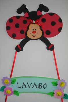 goma eva Lady Bug, Preschool Crafts, Easter Crafts, Front Entry Decor, School Board Decoration, Ladybug Garden, Diy And Crafts, Crafts For Kids, Birthday Wall