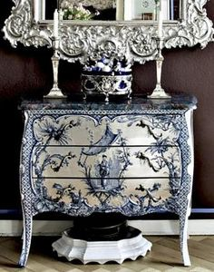 Great idea, painted toile. Simply gorgeous.